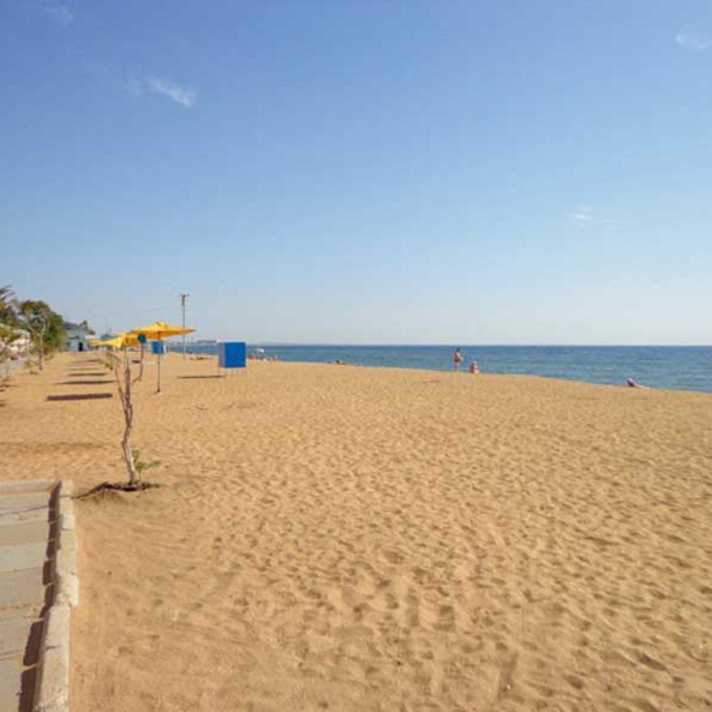 Крым феодосия береговое золотой пляж фото